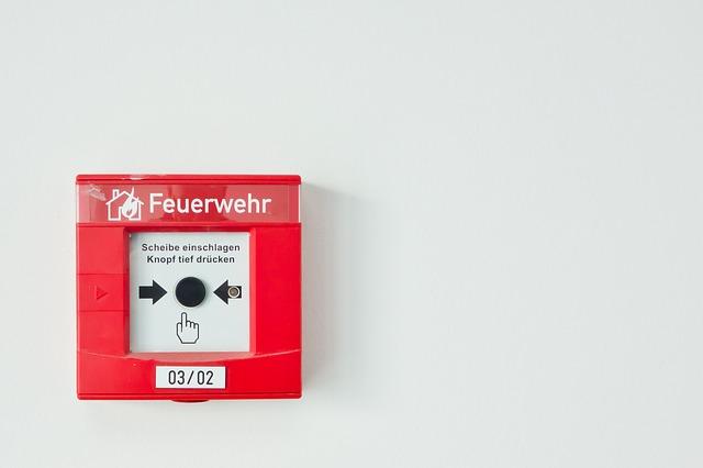 İzmir yangın alarm sistemleri. Bir yangın alarm sistemi evinizi, iş yerinizi güvende tutar. İzmir Yangın alarm sistemleti Yangın çıkarsa...